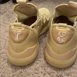 Kobe's size 18